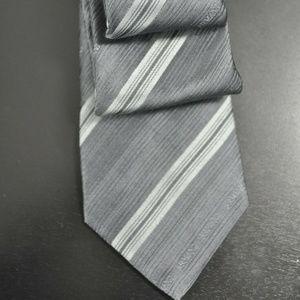NWT $145 Armani Collezioni Gray Silk Tie NEW